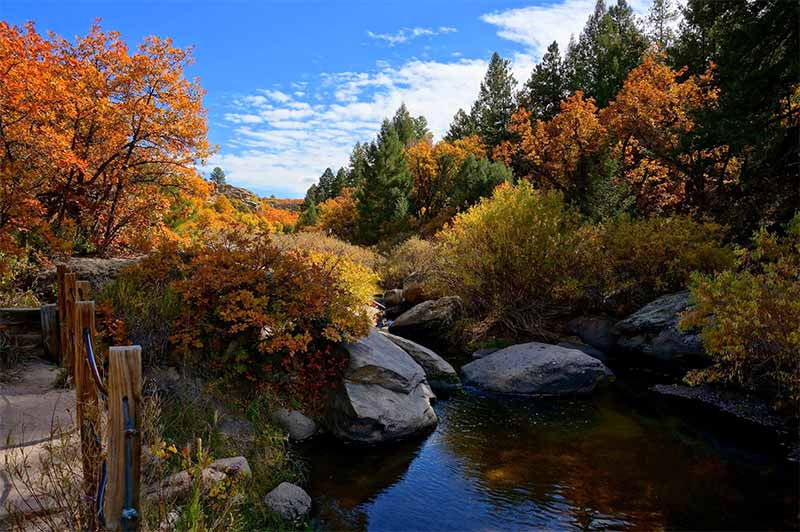 Day Hikes at Lake Gulch in Castlewood Canyon State Park